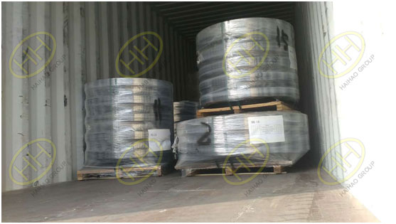 Loading the carbon steel flanges in Haihao Group